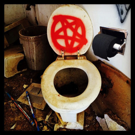 satans toilet paper, black toilet paper, the greatest gift, gift ideas, this is it, i want it all, take my money