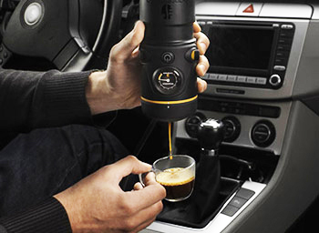 handspresso, make espresso in car, espresso driving, the greatest gift, gift ideas, this is it, i want it all, take my money